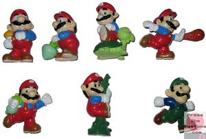Super Mario figurines